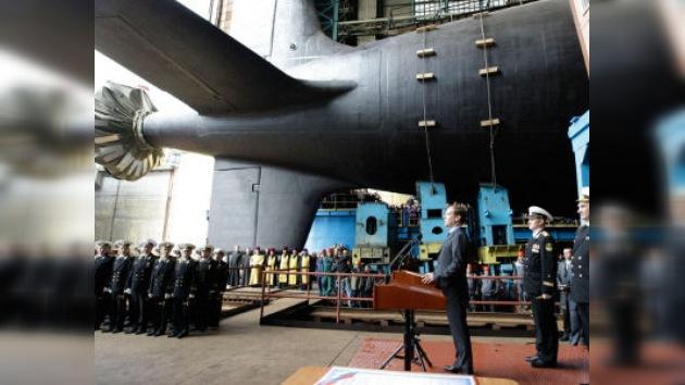 El último submarino de ataque ruso 'rompe aguas'