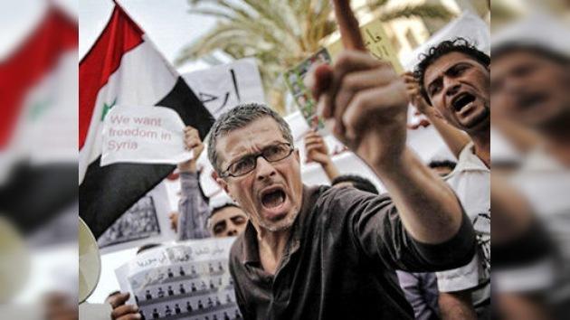 Continúa la represión violenta de las protestas y el arresto de los opositores en Siria