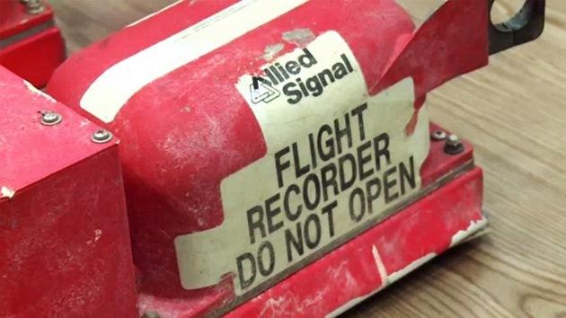 ¿Qué podrán revelar las cajas negras del MH17?
