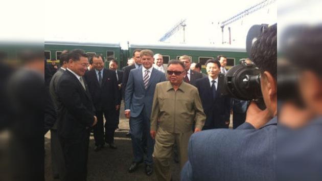 Un tren blindado lleva a Kim Jong-il a su reunión con Medvédev