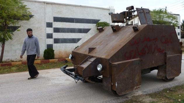 Video: Rebeldes sirios estrenan su 'última generación' de tanques caseros