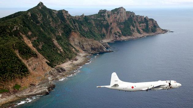 Japón envía cazas para interceptar un avión chino cerca de las islas en disputa