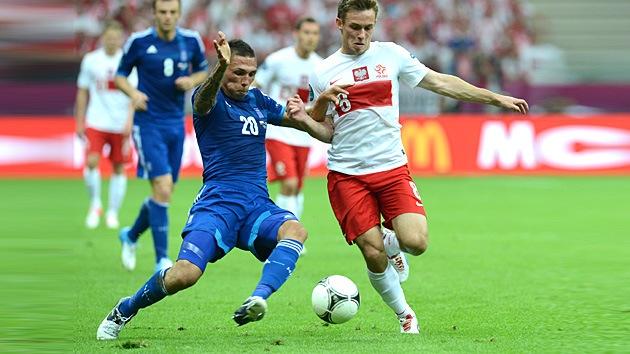 Polonia y Grecia firman tablas en la apertura de la Euro 2012