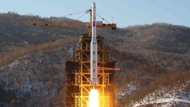 """Pyongyang acusa a Washington de """"doble moral"""" y promete una dura respuesta"""