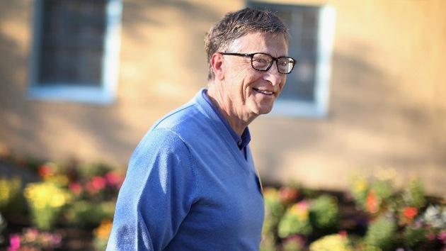 Bill Gates avala el anticonceptivo definitivo para mujeres: un microchip a control remoto