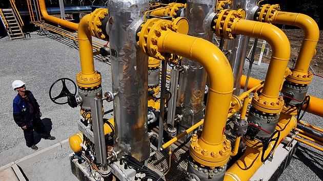 Rusia acuerda con China un adelanto de 25.000 millones de dólares por el gas