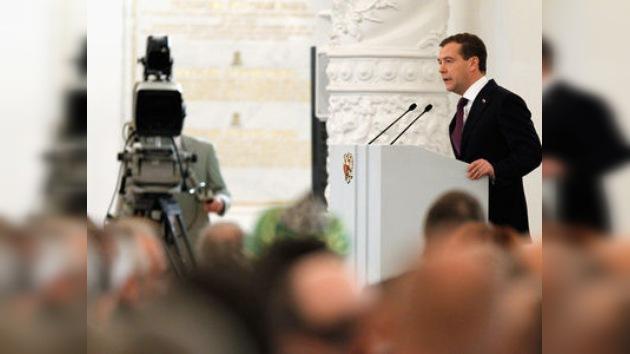 Medvédev esbozará una trayectoria de reformas en Rusia en su mensaje anual