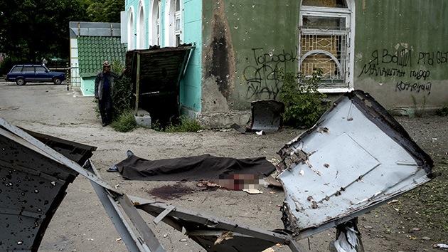 """Alcalde de Lugansk: """"Nos encontramos al borde de una catástrofe humanitaria"""""""