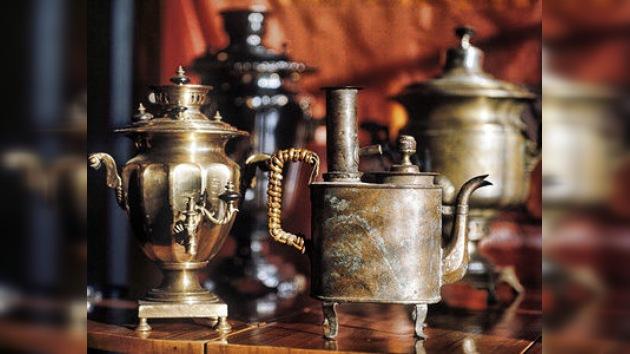 Samovares y cajas registradoras del siglo XIX, estrellas del Museo de Utensilios