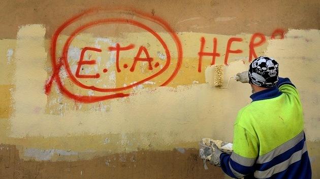 """La banda terrorista ETA ha dejado """"fuera de uso operativo"""" parte de su armamento"""
