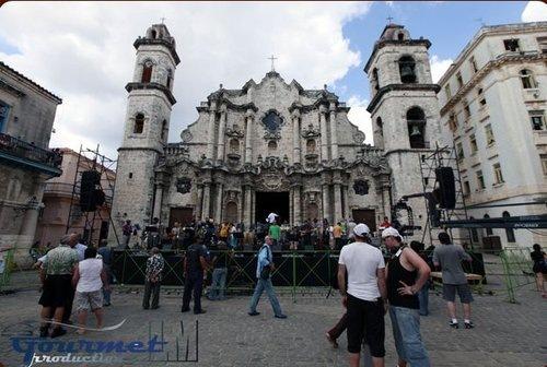 Un cantante ruso en la Plaza de La Habana