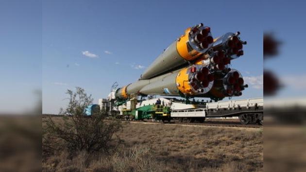 El Soyuz-FG, preparado para transportar a la nueva tripulación de la EEI