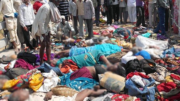 Fotos: Al menos 115 peregrinos mueren en una estampida en la India