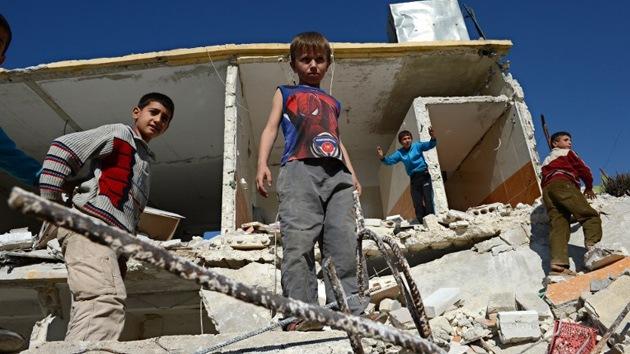 "Un sargento rebelde sirio convierte a niños en ""máquinas de matar"""