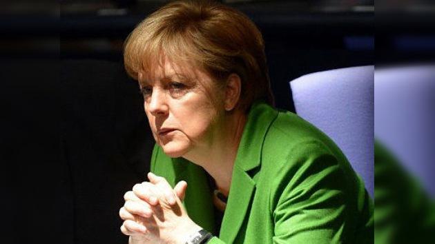 Angela Merkel reitera que Alemania apoyará a Grecia para superar la crisis
