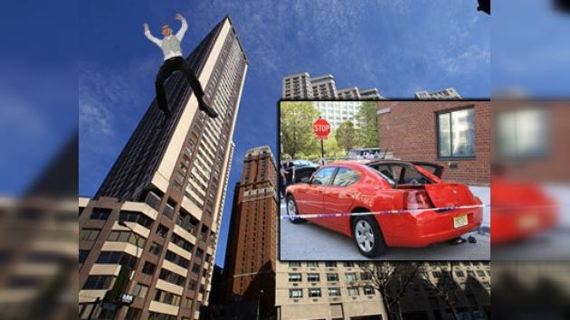 Un suicida sobrevive tras saltar desde un piso 39 en Nueva York