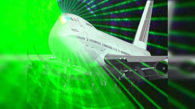 Aeropuerto ruso puesto en alerta por láser que cegó a pilotos