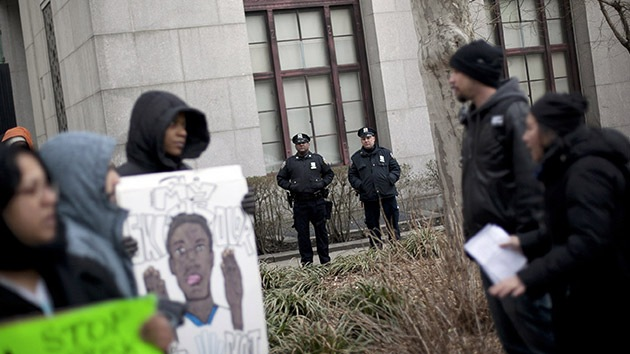 """Policía neoyorquino: """"Me ordenaron cachear a jóvenes de raza negra"""""""