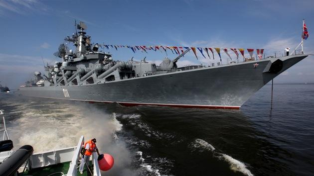 Buques de guerra rusos se dirigen del Pacífico al golfo de Adén