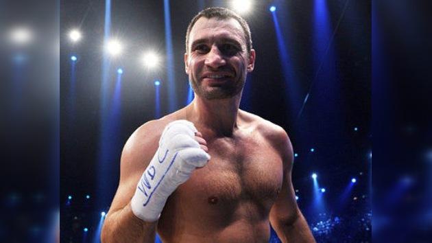 El campéon de boxeo Klichkó tumba el rumor sobre su retirada