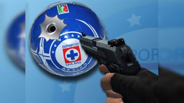 Intentan cambiar de directivo a tiros en el fútbol mexicano