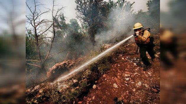 Los fuertes incendios forestales en Texas destruyen bosques y fuerzan evacuaciones