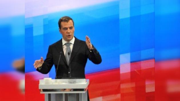 Medvédev asegura que no apoyaría una resolución sobre Siria