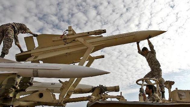 Irán anuncia el estreno de la versión avanzada del sistema antiáereo S-200
