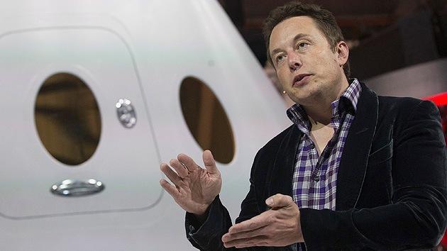 """Elon Musk: La inteligencia artificial podría """"ser más peligrosa que las armas nucleares"""""""