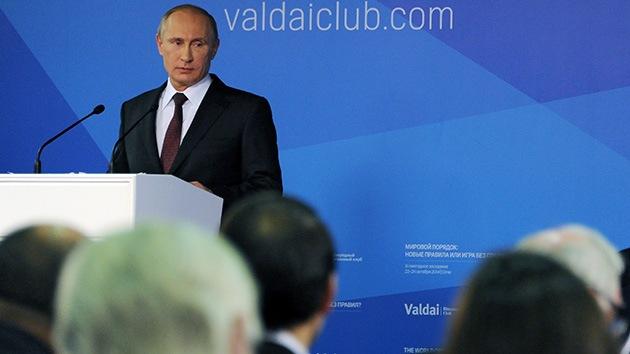 """Exfuncionario de EE.UU.: """"Putin es un líder comprometido con un mundo humano"""""""