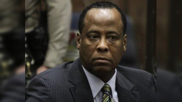 Retrasan el juicio contra el médico de Michael Jackson