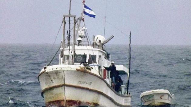 El barco nicaragüense que desató las alarmas en Colombia se retira de la zona de conflicto