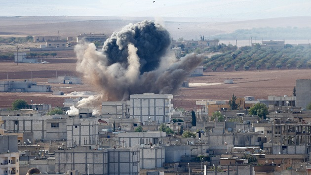 Kurdos mueren desangrados al negárseles la entrada a Turquía, tras luchar contra el EI
