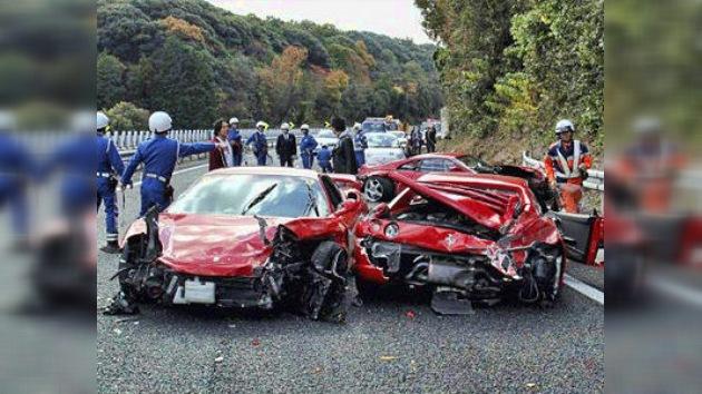 El choque más caro del mundo: ocho Ferraris y un Lamborghini se estrellan en Japón