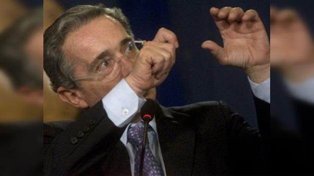 Según WikiLeaks Uribe planeaba usar la fuerza militar contra Venezuela