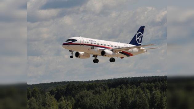 El primer Sukhoi Superjet 100 ya tiene dueño