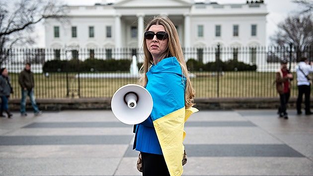 """EE.UU. desoye a su pueblo sobre Ucrania: """"Los estadounidenses no quieren la confrontación"""""""