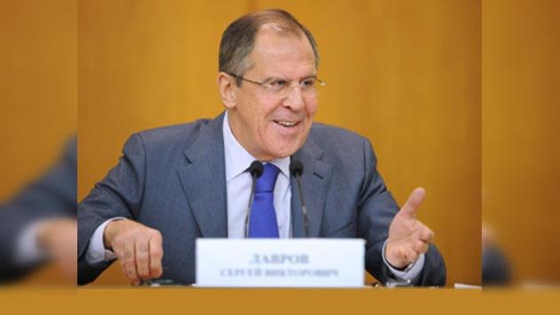 """Rusia considera como """"cuentos"""" su presencia militar en Siria"""
