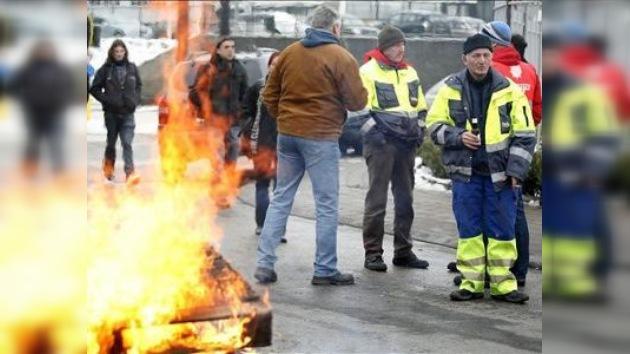 En Bélgica se endurece la huelga de sindicatos contra la cervecera AB Inbev