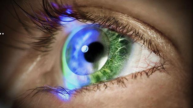 Fotos, Video: 'Incorporan' una tele en unas futuristas lentes de contacto