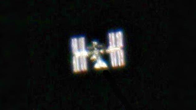 Un aficionado a la astronomía saca fotos de la EEI desde la Tierra
