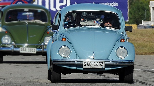 """Mujica: """"¿Llama la atención que ande en un autito viejo? El mundo está loco"""""""
