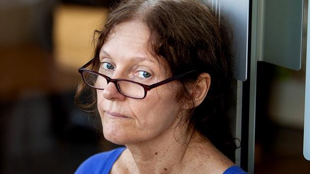 """Madre de Assange a RT: el gobierno australiano """"ayuda y es cómplice de la persecución de EE. UU. contra mi hijo"""""""