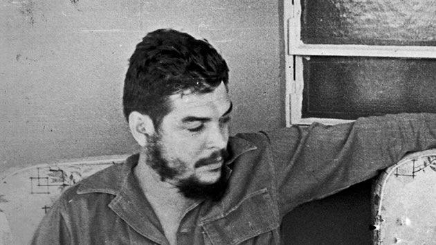 El hijo de Che Guevara ofrece viajes en moto por los caminos del comandante en Cuba