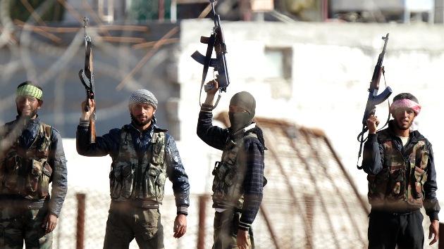 Video: Los rebeldes sirios toman el control de un aeropuerto militar