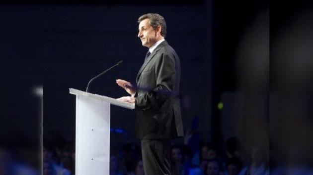 Sarkozy no se recupera en los sondeos