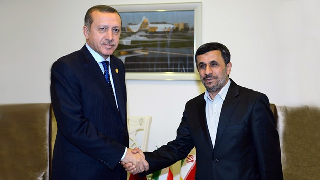 Turquía e Irán acuerdan promover un alto el fuego en Siria