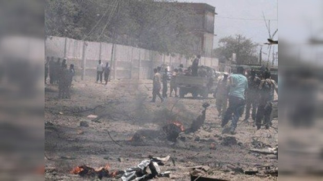 Ataque terrorista en el centro de la capital somalí deja al menos 100 muertos