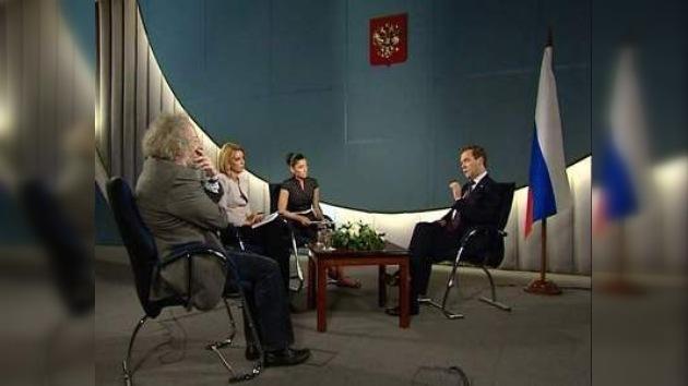 Dmitri Medvédev: Saakashvili debe ser juzgado por violación del derecho internacional