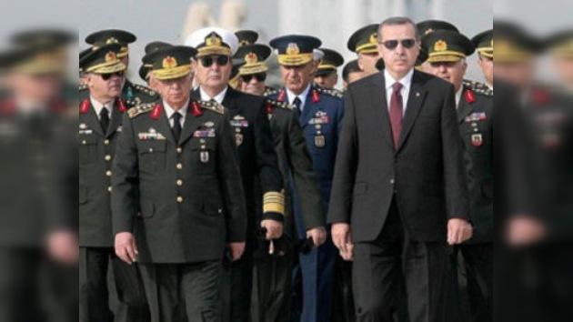 Turquía decreta prisión para varios de sus generales por otra intentona golpista